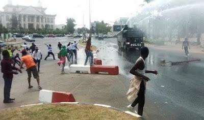 shiite muslim attack riot police abuja