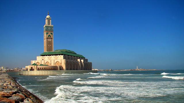 На фото - Мечеть Хасана II в Касабланке, Марокко