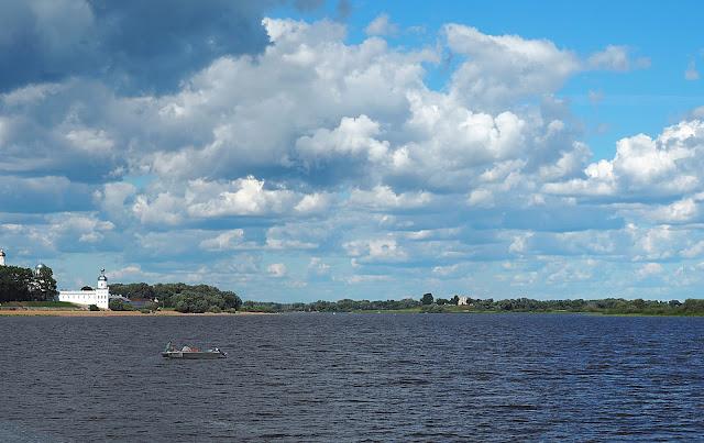 Река Волхов (Volkhov River)