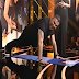 Rising Star - Live 2: Έκανε κάμψεις on air ο Αντώνης Ρέμος (video)