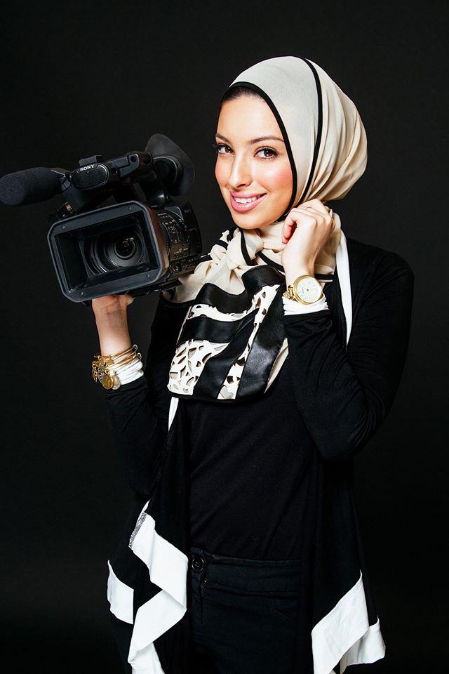 Hasil gambar untuk noor tagouri  hijab tertutup