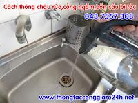 Sử dụng nước đun sôi để thông cống,chậu rửa,sử dụng nước để thông tắc cống hiệu quả