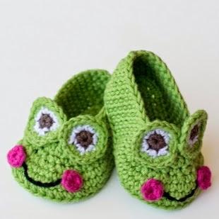 http://translate.googleusercontent.com/translate_c?depth=1&hl=es&prev=search&rurl=translate.google.es&sl=en&u=http://www.hopefulhoney.com/2015/02/frog-baby-booties-crochet-pattern.html&usg=ALkJrhh68HDxE6quxS_KHJgf9eGexnJaOw