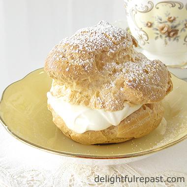 Cream Puff with Vanilla Pastry Cream / www.delightfulrepast.com