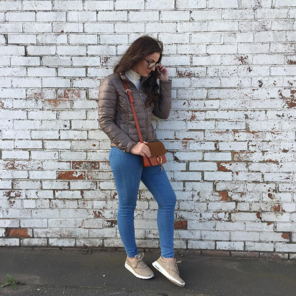 7ddd4f497 So this is my first autumn style post I ve done this year and I don t think  it could get any more casual. Its rare you ll seem me in trainers on  Your  Daily ...