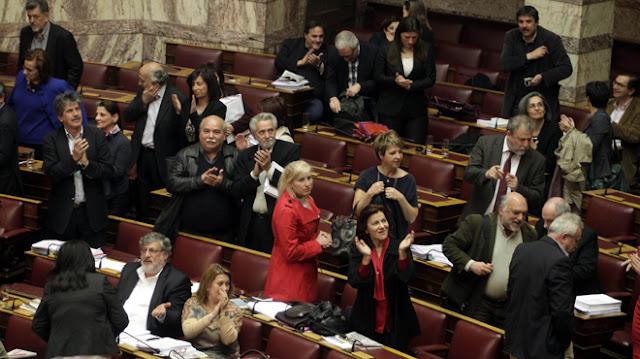Έλληνες βουλευτές με αλβανικές απόψεις