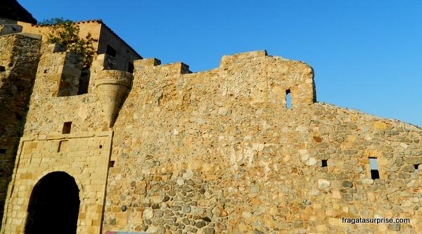 Entrada da vila medieval de Monemvasia, Grécia