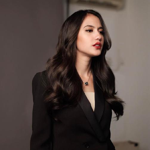 Fakta Pevita Pearce Harus Anda Ketahui [Artis Indonesia Hot]