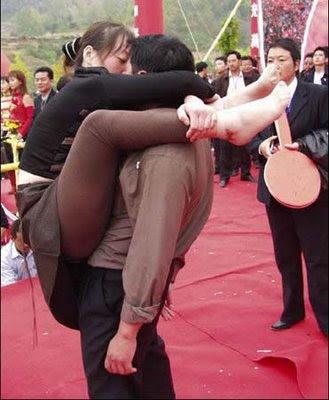 Lomba Ciuman Aneh 3 Lomba Ciuman Paling Aneh Di Dunia