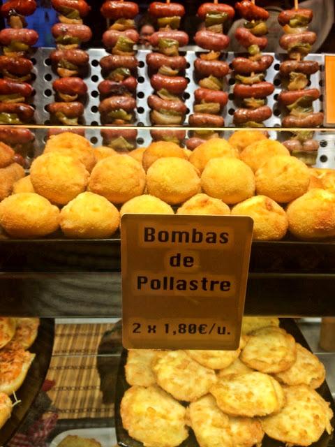 Targ Mercat de la Boqueria w Barcelonie - jak dojechać, dlaczego warto zwiedzić