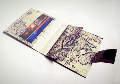 Buat dompet dari peta, cukup menarik.