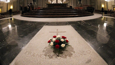 tumba Franco valle de los caídos, exhumación