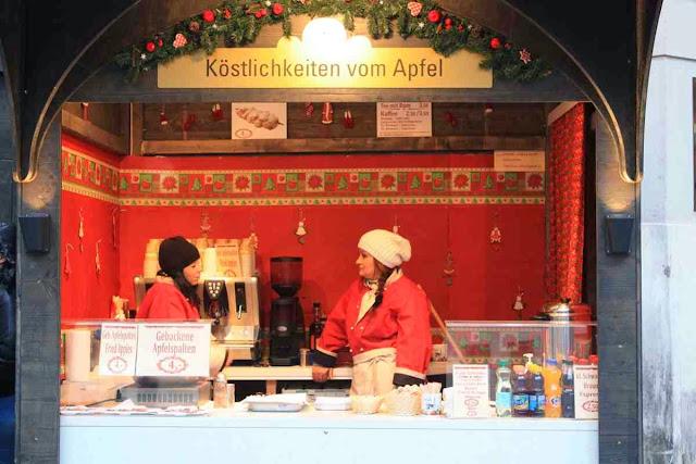 Köstlichkeiten vom Apfel von den Streuobstwiesen in der Umgebung von Wien © Copyright Monika Fuchs, TravelWorldOnline