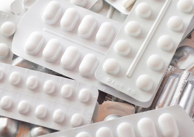 Popularne leki i suplementy, które są polskie