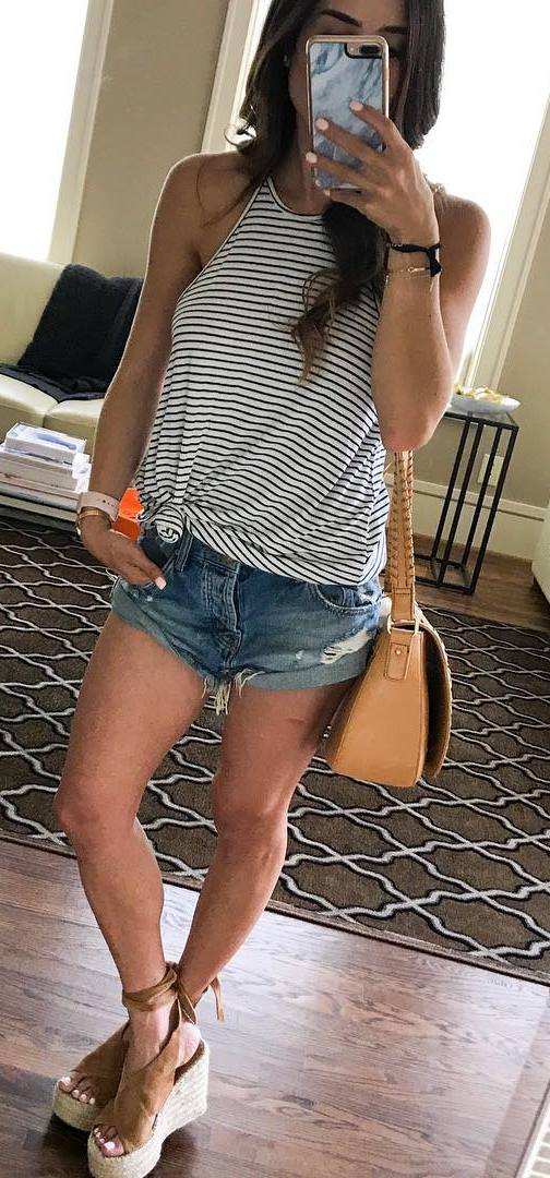 summer outfit: bag + shorts + top