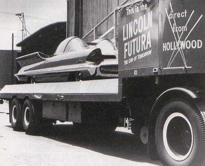 Garagem do Paulo Sípoli: Batmóvel não era fake. era um carro conceito da Ghia. de US$250.000.00. com um V8 poderoso!