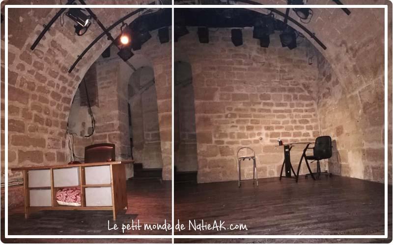 salle du théâtre Essaïon en pierre apparente