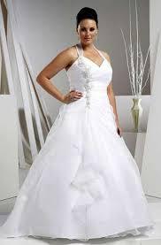 Ideias de vestidos de noiva simples para gordinhas