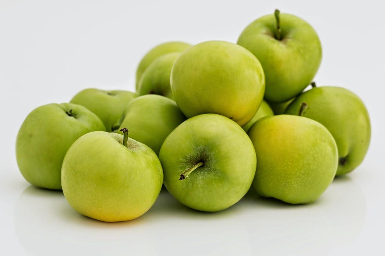 memang mempunyai segudang manfaat bagi kesehatan 12 Manfaat Ajaib Kulit Apel untuk Kesehatan