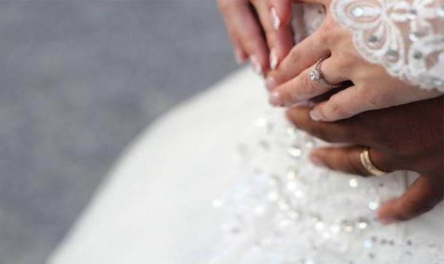 صرخت العروس.. ولم يصدّق الحاضرون ما حدث أمامهم شاهدوا ماذا حدث بعد عقد القران