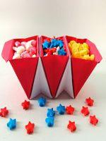 http://www.mimundomanual.com/2016/01/como-hacer-unos-recipientes-tipo-acordeon-origami.html