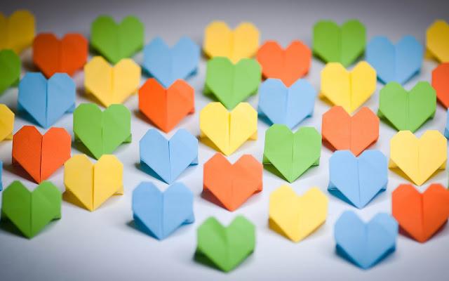Papieren liefdes hartjes