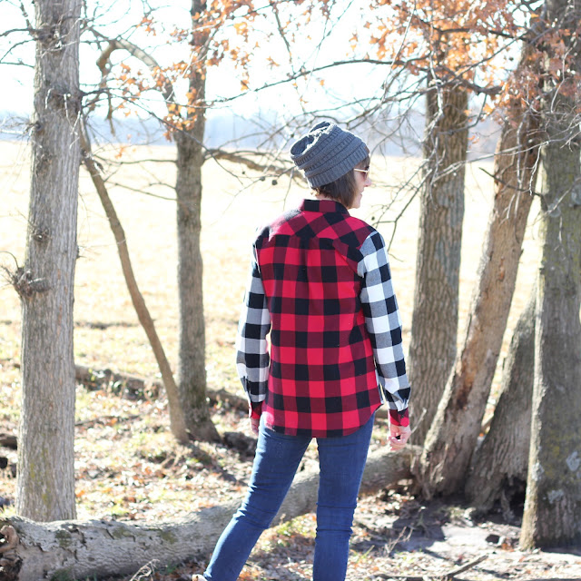 Grainline Archer Shirt from Mood Fabrics' Buffalo Check Flannel - back detail