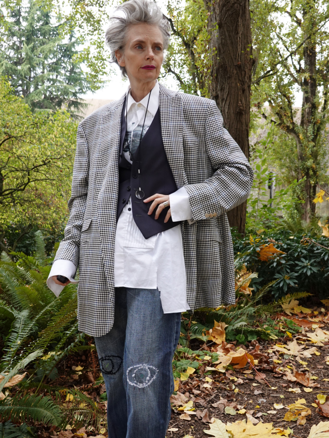 Mel Kobayashi, men's oversized suit jacket, Bag and a Beret, jeans