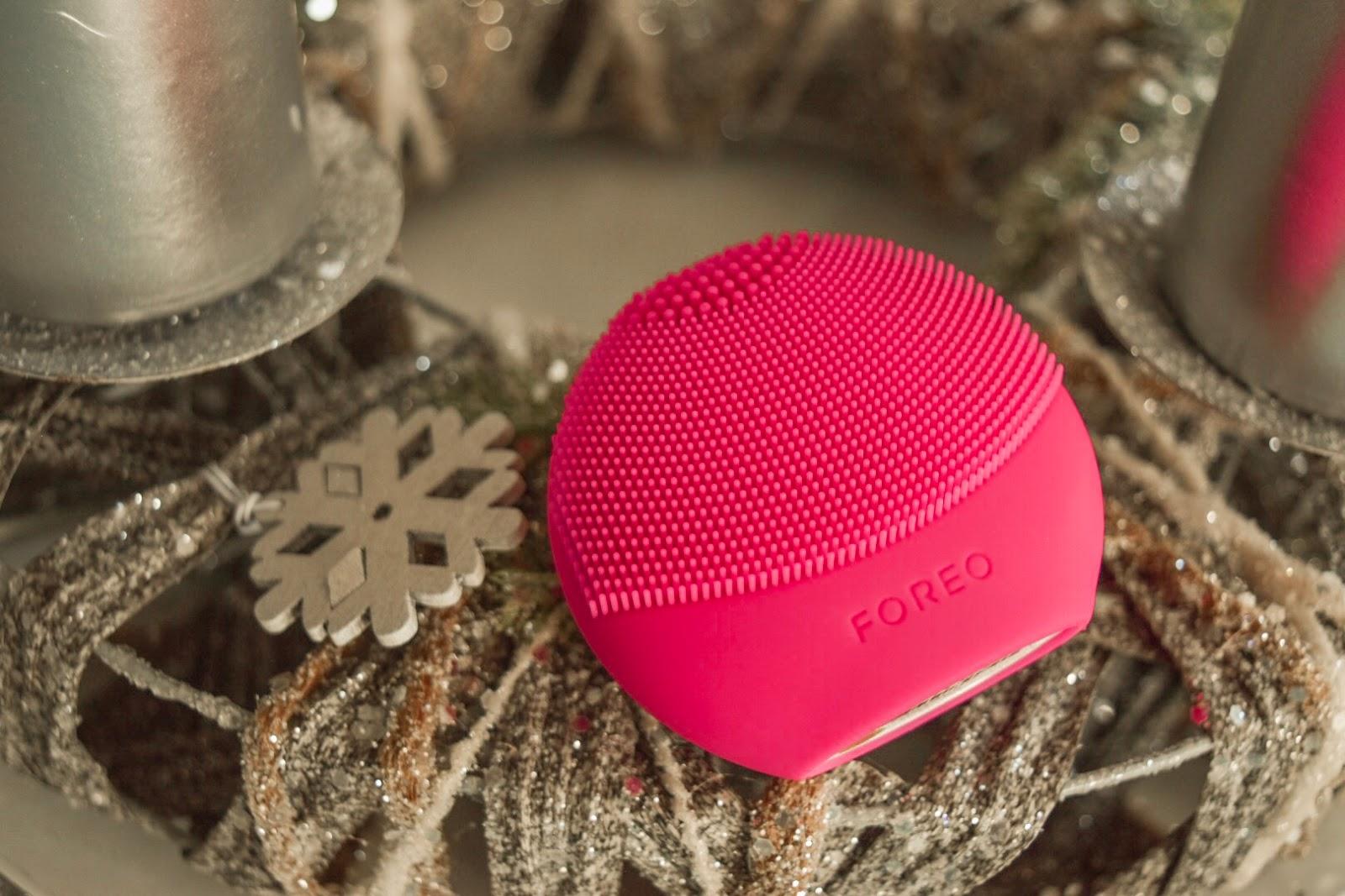 FOREO LUNA fofo fuchsia as a Christmas gift
