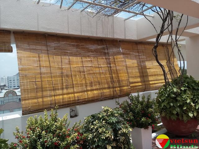 rèm tre trúc quán cà phê