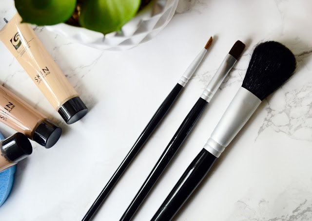 Rio concealer kit brushes