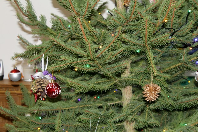 Christmas tree decorations haul. Nourish ME: www.nourishmeblog.co.uk