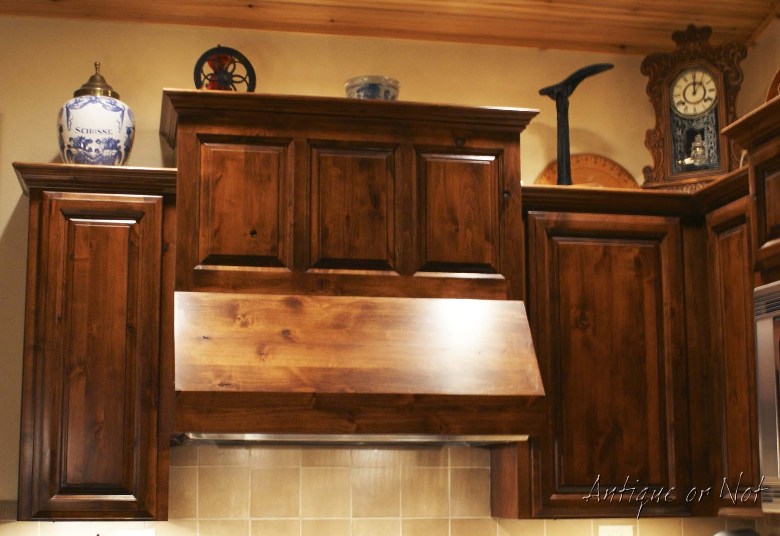 Decorating with Dark Wood Kitchen Cabinets