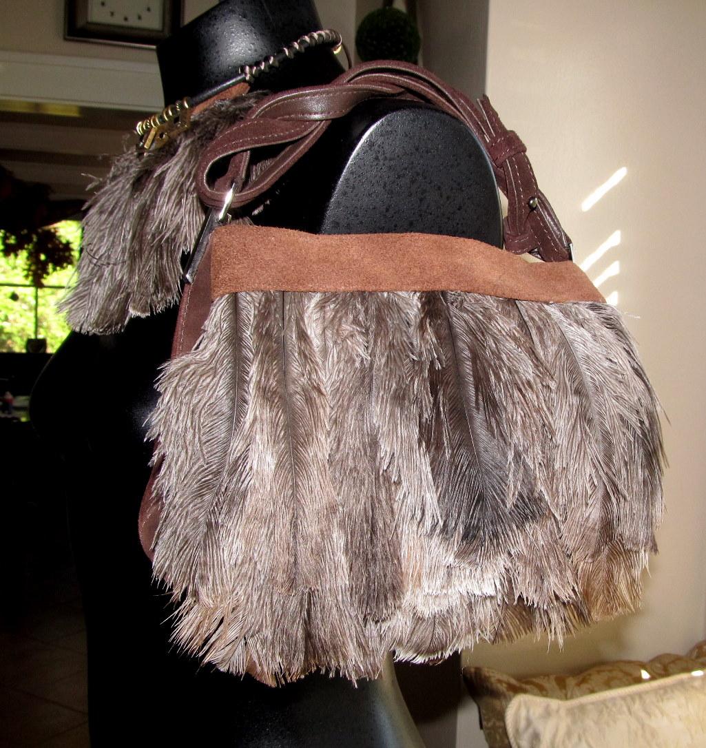 Wobisobi Easy Feather Purse