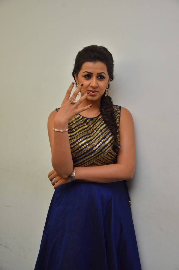 Beautiful Chennai Girl Nikki Galrani Hip Show Stills In -3972