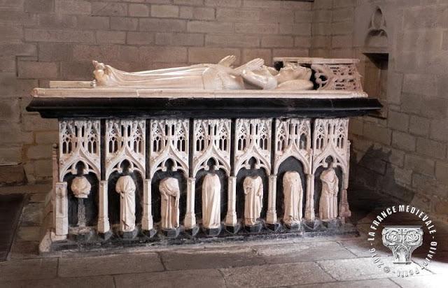 JOSSELIN (56) - Gisants d'Olivier de Clisson et Marguerite de Rohan (XVe siècle)