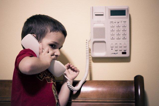Niño de 4 años llama de emergencia al 911, ¡Mira la razón no pararas de reír!
