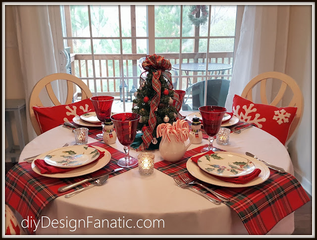 cottage, cottage style, Farmhouse, farmhouse style, breakfast room, Christmas, diydesignfanatic.com, Christmas inspiration