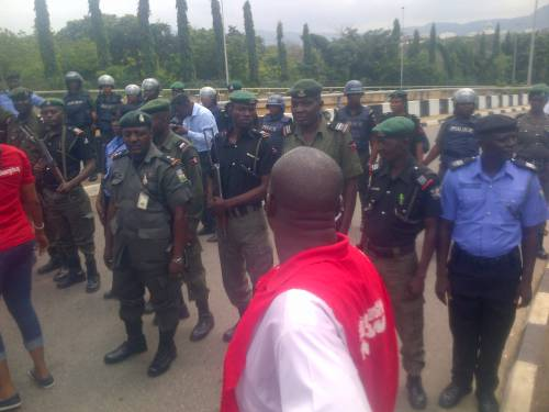 Police stop #BBOG group from entering Aso rock, Abuja