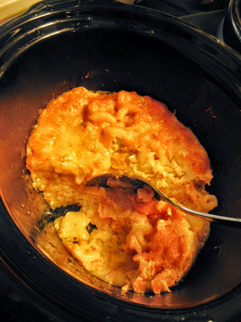 Easy Mac and Cheese, a slow cooker recipe