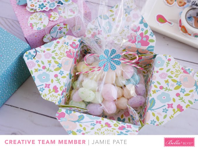 Make little box treats with Illustrated Faith Seeds of Faith by Jamie Pate  |  @jamiepate for @bellablvd