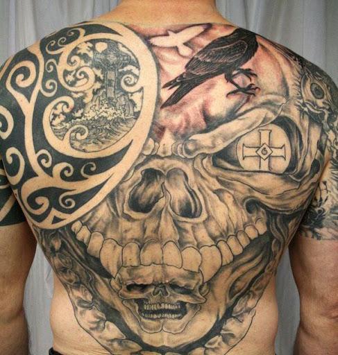 Tribais e Desenho de Tatuagem de Caveira