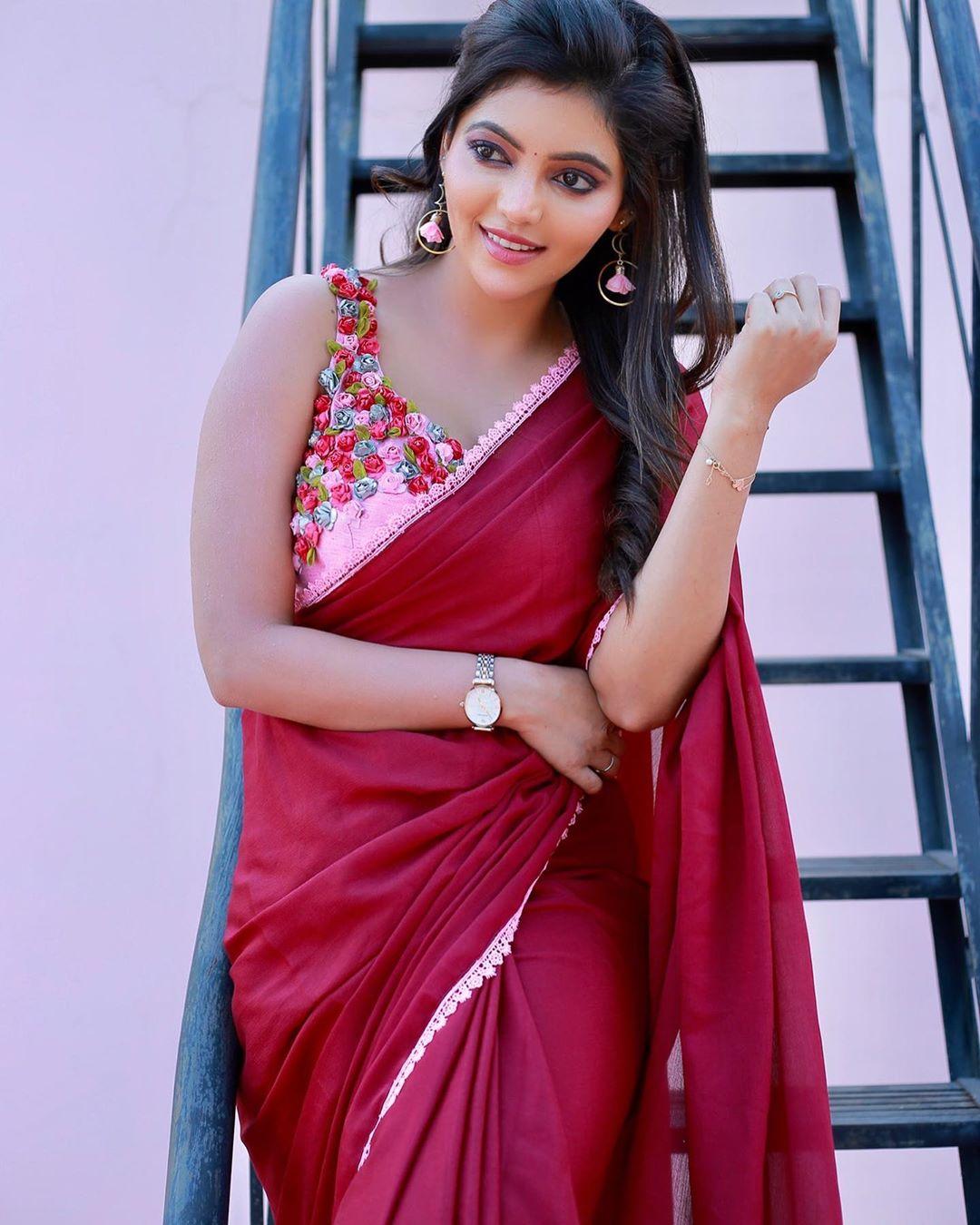 Actress Athulya Ravi Beautiful Saree Pics