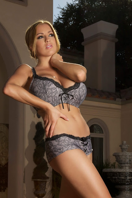 Jordan-Carver-Real-Housewives-best-sexy-photoshoot-in-HD-21