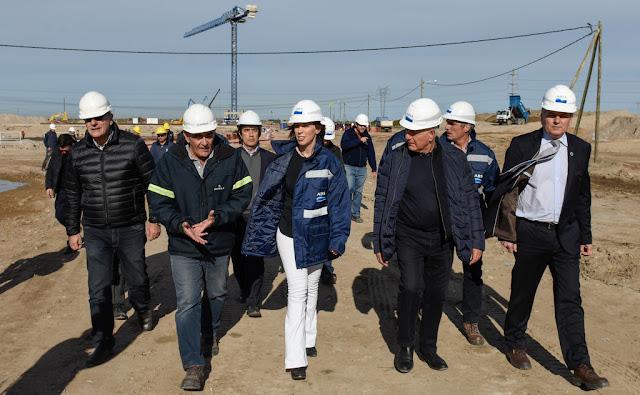 María Eugenia Vidal visitó la obra de ampliación de una planta de líquidos cloacales en Bahía Blanca