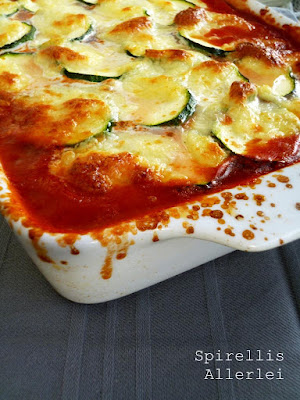 Zucchini Lasagne mit passierten Tomaten, Hackfleisch und Zwiebel
