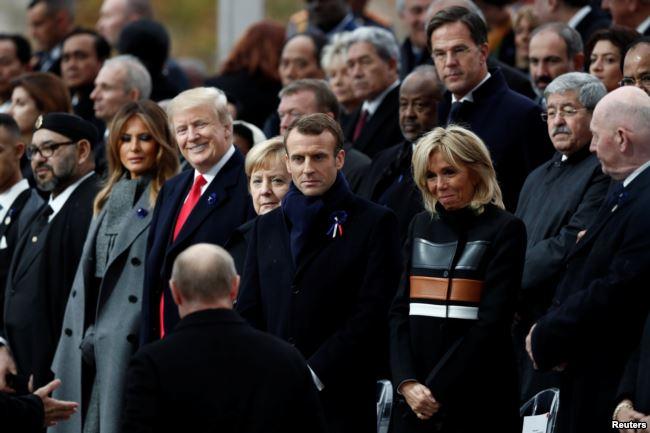 Putin llega a la ceremonia para acompañar a Macron, Trump y Merkel en el Día del Armisticio / REUTERS