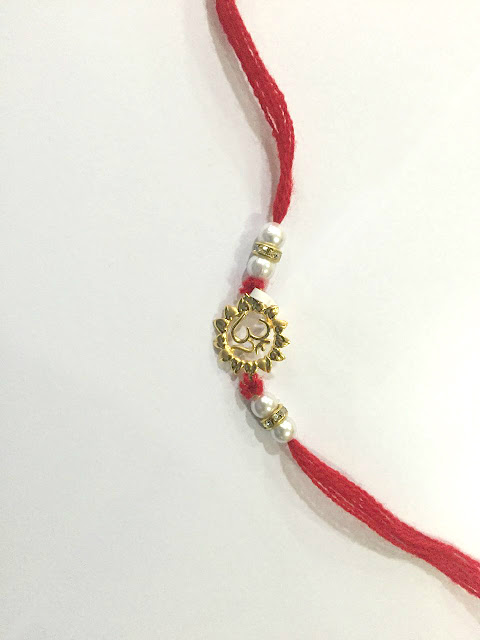 Golden bond this Rakshabandhan, with exquisite Gold Rakhis from Kalyan Jewellers