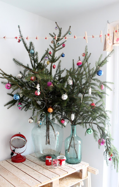 15 Christmas Tree Alternatives for Small Spaces