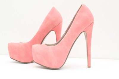 modelos de Zapatos Altos para Mujeres Bajitas